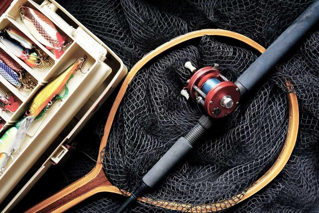 Pestrý svět rybářského příslušenství